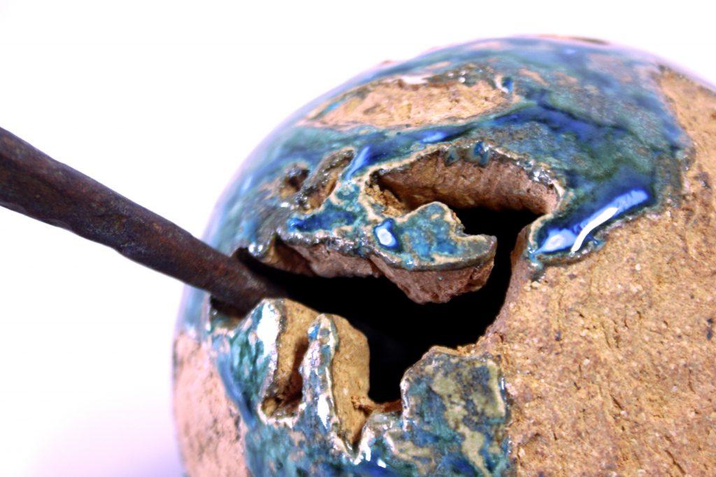 Diseño de escultura cerámica contemporánea de diseño Torres Ferreras maestro artesano ceramista La Rambla Córdoba